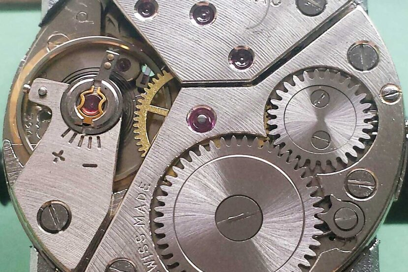 Peseux caliber 320 mechanical watch movement