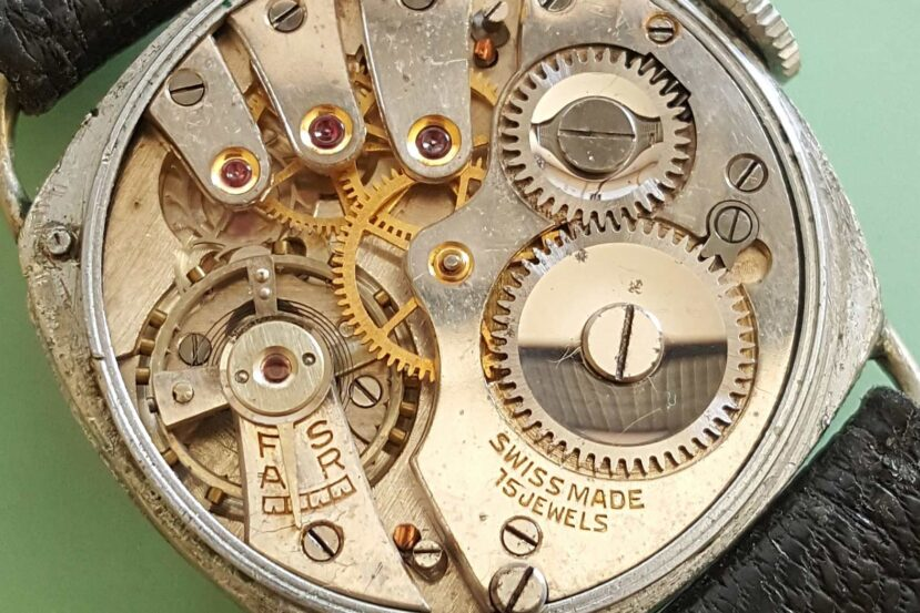 MST Roamer caliber 264 watch movement