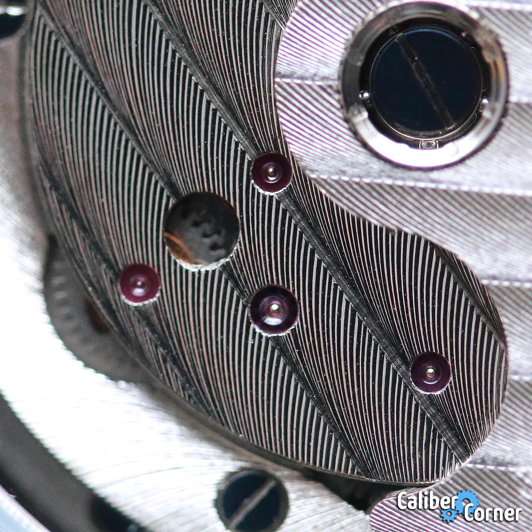 Ingersoll Caliber 735 Macro
